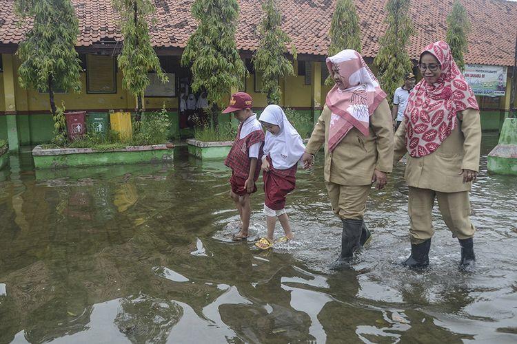 Dokumen Pendidikan Rusak karena Banjir? Siswa di Jakarta Bisa Urus Gratis di Dinas Pendidikan