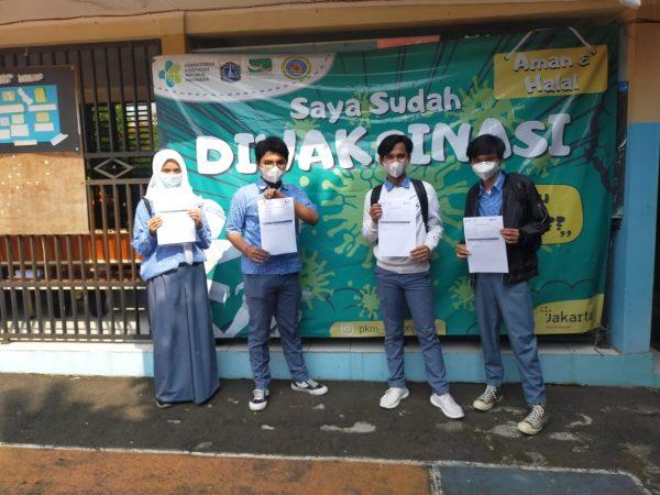 Kegiatan Vaksinasi Covid- 19 Siswa SMKN 45 Jakarta di SMPN 271