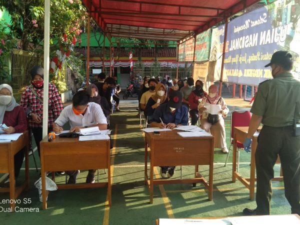 Kegiatan Vaksinasi di SMKN 45 Jakarta